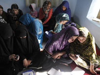 Afghan women learning to read