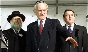 Berlin Jewish leader Rabbi Ehrenburg, Johannes Rau and Chancellor Schroeder
