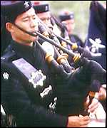 Gurkha regiment plays Nepalese bagpipes