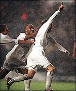 Lee Bowyer scores the winning goal against Milan