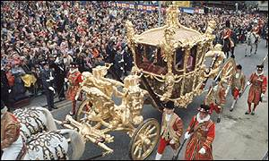 The Queen's carriage arrives at St Paul's Cathedral during Silver Jubilee celebrations