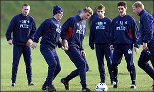 Tore Andre Flo trains with his new team-mates