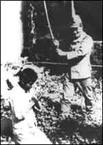 Japanese soldier beheading Chinese