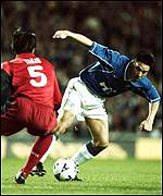 Michael Mols went close for Rangers