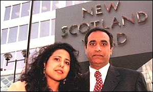 Sgt Virdi with his wife Sathat outside Scotland Yard