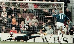 Jorg Albertz scores Rangers' winner from the spot