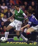 David Zitelli holds off Barry Ferguson