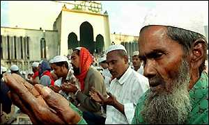 Bangladeshi Muslims offer prayers at Dhaka's Baitul Mukaram National Mosque