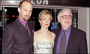 Bill Kenwright (r) with Anthony Edwards and Jenny Seagrove