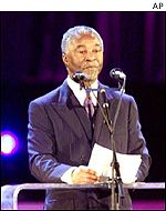 South African President Thabo Mbeki opening World Aids Conference