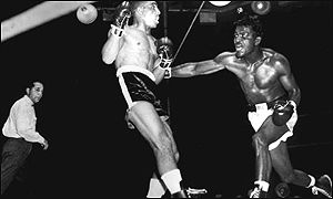Randolph Turpin in the ring with Sugar Ray Robinson