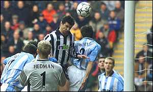 Gary Speed heads home after four minutes
