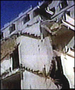 Building in earthquake