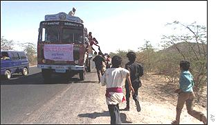 Villagers run for relief supplies in Ratnal