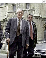 Former French Foreign Minister Roland Dumas arriving at the Paris courthouse