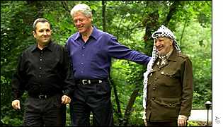 Ehud Barak, Bill Clinton and Yasser Arafat (left) at Camp David summit