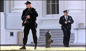 Security Service agents at White House after shooting incident