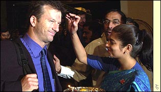 Steve Waugh arrives in India
