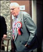 Ian Paisley leaves a polling station