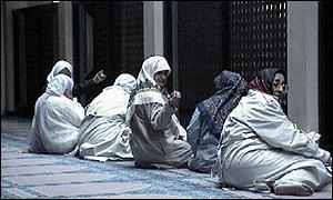 British Muslim women at prayer