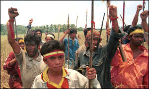 Dayaks ready for attack in violence in 1999