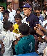 Fans follow Justin Langer in Mumbai
