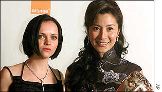 Christina Ricci (L) presented Crouching Tiger, Hidden Dragon star Michelle Yeoh