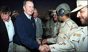 Former US President George Bush meets Kuwaiti soldiers