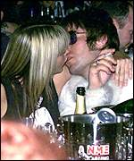 Nicole Appleton and Liam Gallagher at the NME Carling Awards 2001