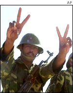 Polisario soldier making the victory sign