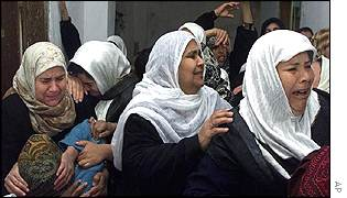 Relatives of Mustafa Ramlawi who was shot on Friday by Israeli army
