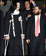 Jackson looked frail as he walked in with Rabbi Shmuley Boteach