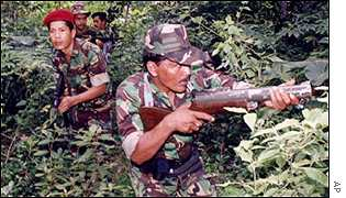Aceh rebels on exercises