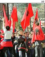 Ethnic Albanians demonstrate in Tetovo