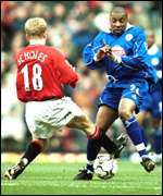Paul Scholes and Ade Akinbiyi