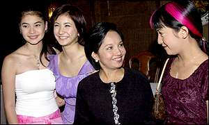 President Arroyo with film stars Jolina Magdangal, Anne Curtis and Rica Paralejo