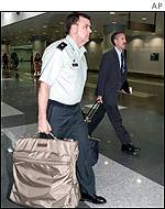 BBC News | ASIA-PACIFIC | China holds US spy plane crew