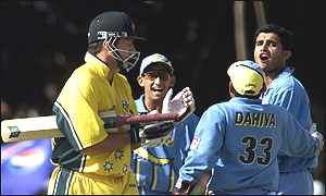 Sourav Ganguly exchanges views with Australia's captain