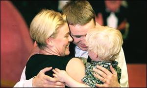 Stephen Hendry celebrates with wife Mandy and son Blaine in 1994