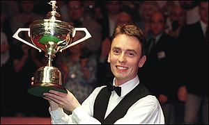 Ken Doherty jubilates after beating Stephen Hendry in 1997