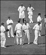 Len Hutton passes Bradman's 334 record at The Oval in 1938