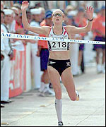 Radcliffe wins the 2000 World Half-Marathon