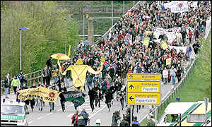 Protesters march to the Neckarwestheim plant
