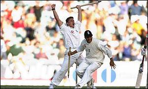 Darren Gough leads the celebrations as England win the fourth Test in Melbourne