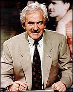 [ image: Popular reading: Des Lynam]