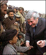 Ruud Lubbers with kids in camp