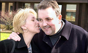Darts champ Phil Taylor and wife Yvonne