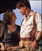 Rick O'Connell (Brendan Fraser) and Egyptologist Evelyn (Rachel Weisz)