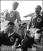 Harry Johnson (left) and Stanley Matthews celebrate victory in the 1953 final