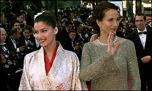 Laetitia Casta and Andie McDowell